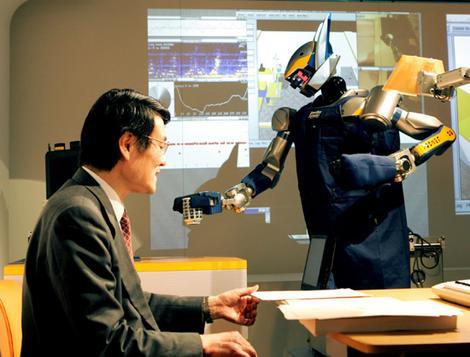 رابوط ياباني يجتاز امتحان