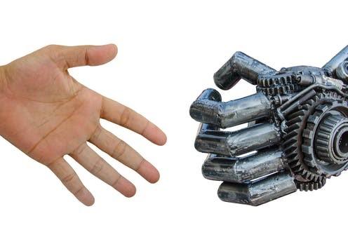 روبوت وانسان